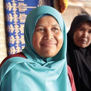Resnovati-weaver-Indonesia_profilepic.jpg